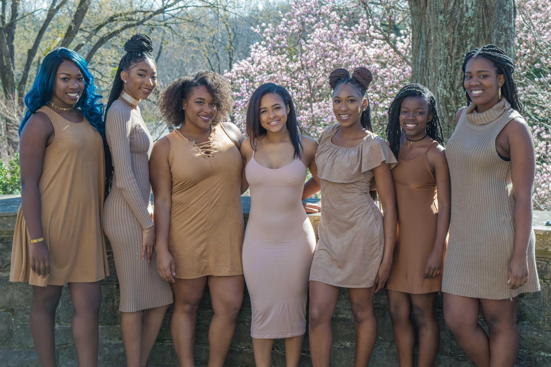 Group girls black — photo 4