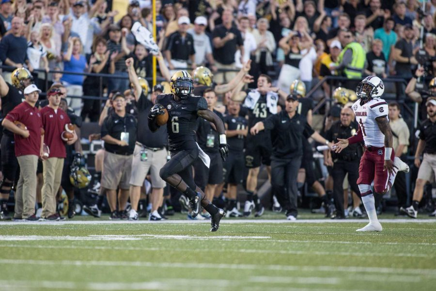September 21, 2014: Vanderbilt took on the USC Gamecocks in Dudley Stadium. The game ended in an unfortunate Commodore loss with a score of 48-34.