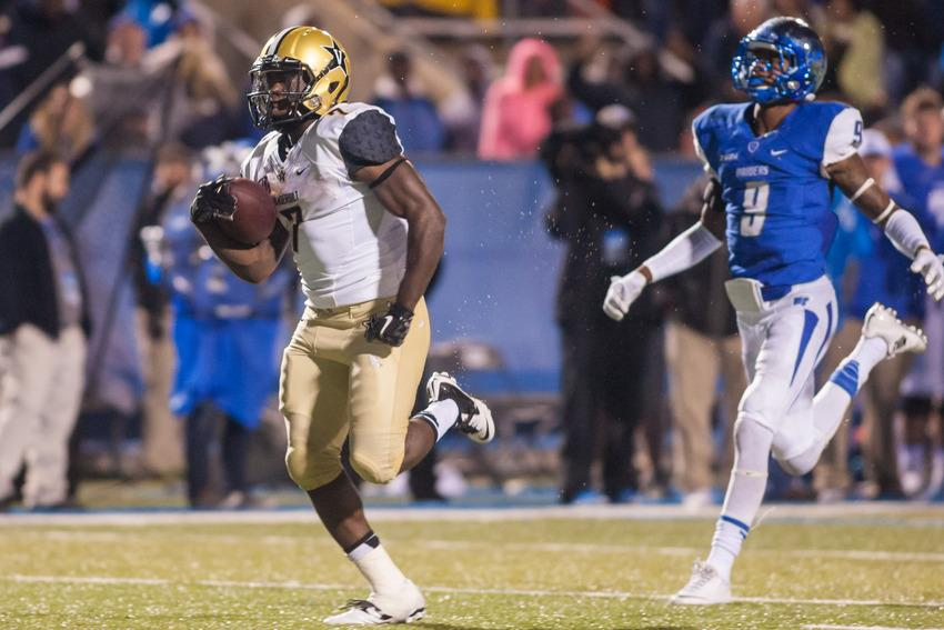 Ralph Webb (7) runs the game winning touchdown during Vanderbilt's 17-13 win against Middle Tennessee State University October 3, 2015.