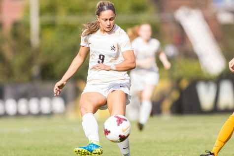 The Vanderbilt women's soccer team ties UT 1-1 after double overtime at home.