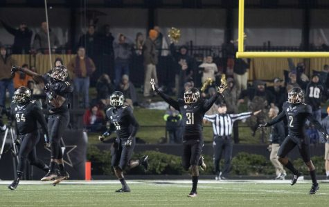 Tennessee missed field goal as Vanderbilt beat #17 Tennessee 45-34 at Vanderbilt Stadium November 26, 2016. Photo by Ziyi Liu.
