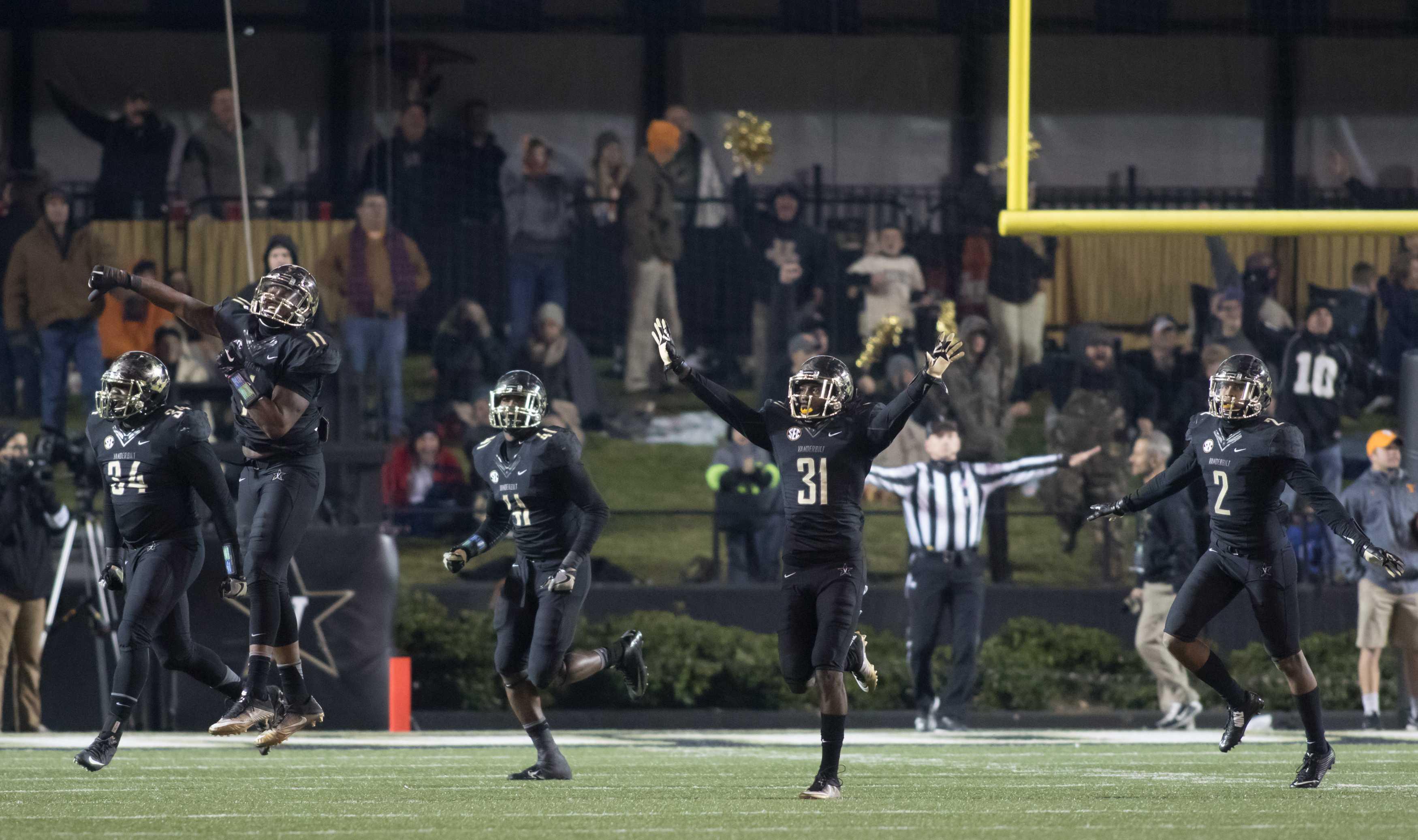 Tennessee missed field goal as Vanderbilt beat #17 Tennessee 45-34 at Vanderbilt Stadium November 26, 2016. Photo by Ziyi Liu.