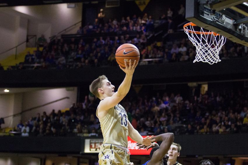 January 10, 2017 – Riley LaChance (13) attempts a layup during the Commodores' 87-81 loss to Kentucky in Memorial Gym.