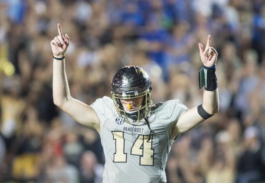 Kyle+Shurmur+as+Vanderbilt+defeated+the+MTSU+Blue+Raiders+47-24+at+Vanderbilt+Stadium+September+10%2C+2016.