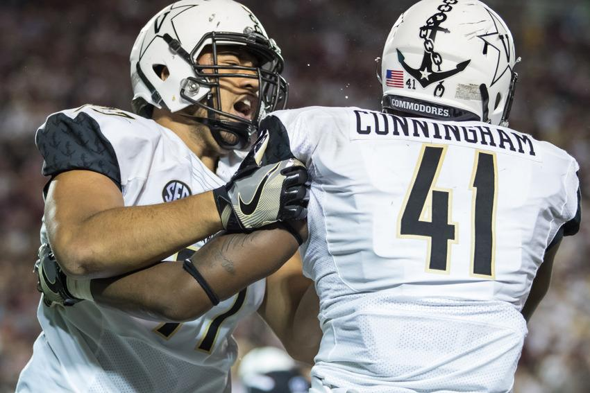 Nifae Lealao (77) and Zach Cunningham (41) as Vanderbilt lost against the South Carolina Gamecocks 13-10 at Vanderbilt Stadium September 1, 2016.