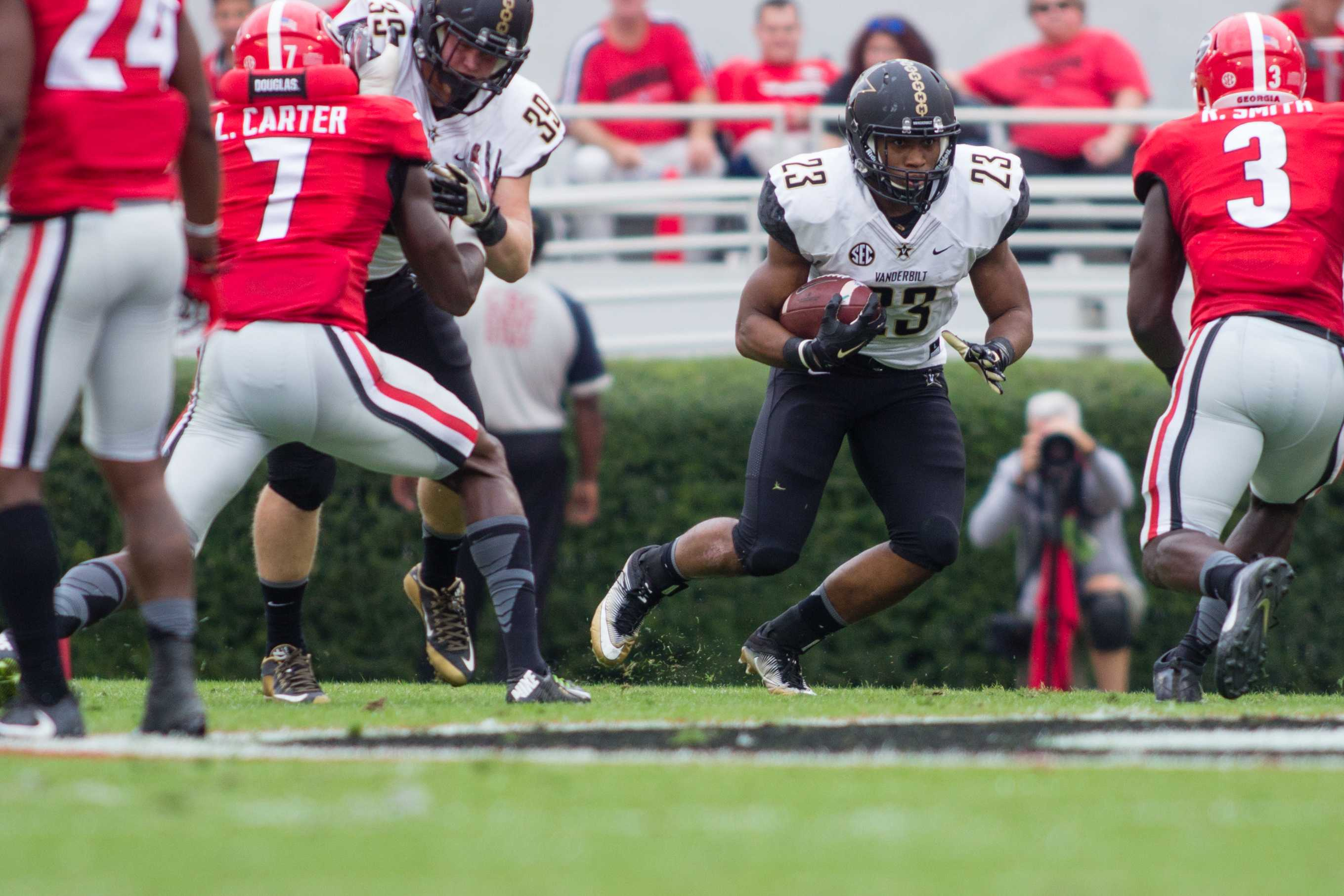 October 15th, 2016 – Khari Blasingame (23) runs with the ball during Vanderbilt's 17-16 win against the University of Georgia in Sanford Stadium Saturday afternoon. Photo by Blake Dover.