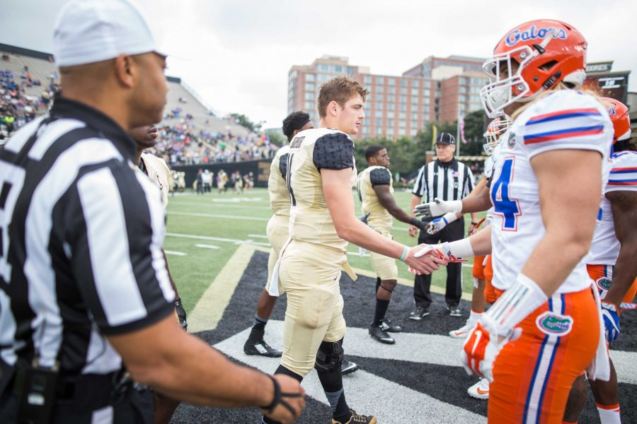 Coin+toss+as+the+Florida+Gators+defeated+Vanderbilt+13-6+October+1%2C+2016+at+Vanderbilt+Stadium.+Photo+by+Ziyi+Liu