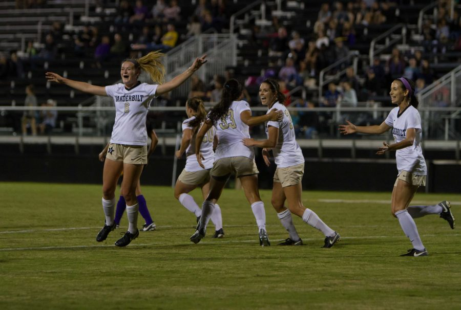 The+Vanderbilt+Women%27s+soccer+team+faces+off+against+Lipscomb+on+Sunday+September+10%2C+2017.+Photo+by+Hunter+Long%2F%2FVanderbilt+Hustler.+