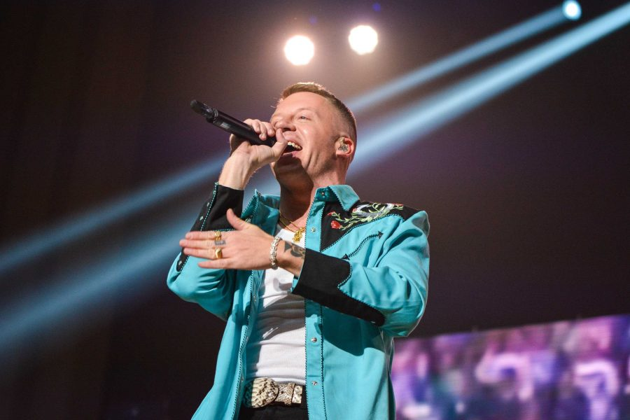 Macklemore+performs+with+two+other+artists+featured+on+his+recent+releases%2C+at+the+War+Memorial+Auditorium+on+Sunday%2C+October+29th%2C+2017%2C+as+part+of+his+GEMINI+album+tour.