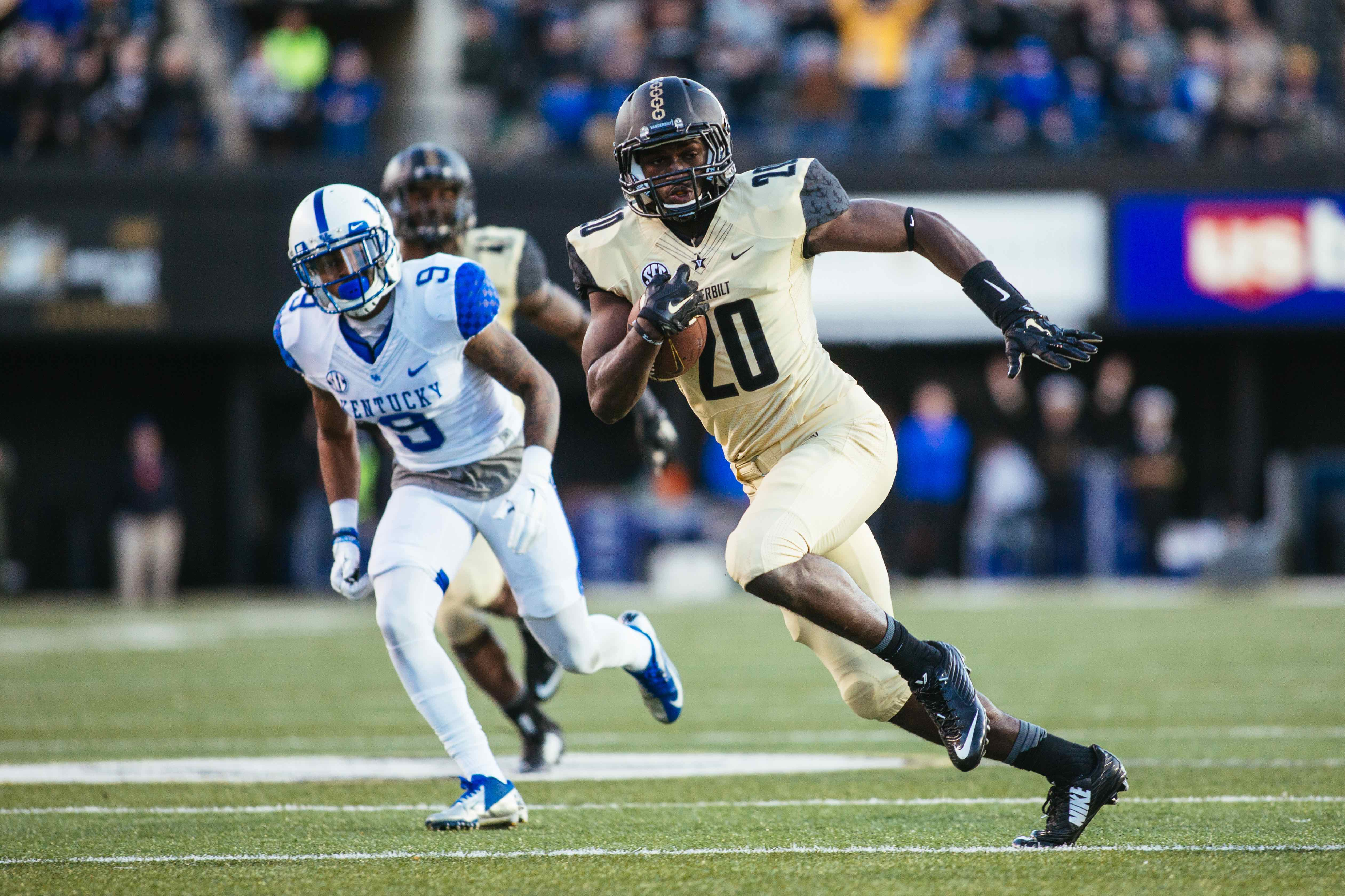 Vanderbilt defeats Kentucky 21-17 at Vanderbilt Stadium on November 14, 2015. Photo by Bosley Jarrett.