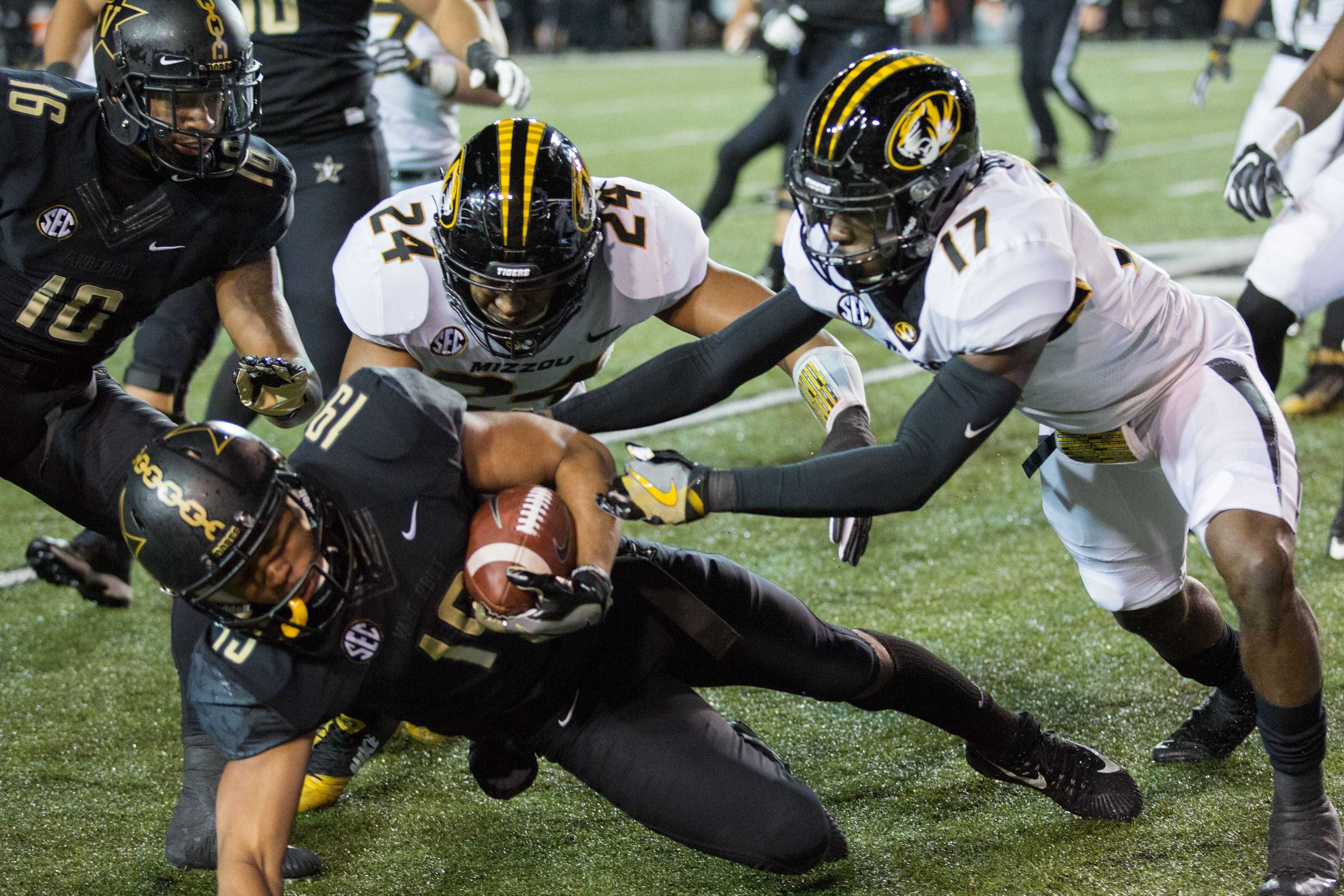 Missouri plays Vanderbilt in football on Saturday, November 18, 2017. (Photo by Claire Barnett)