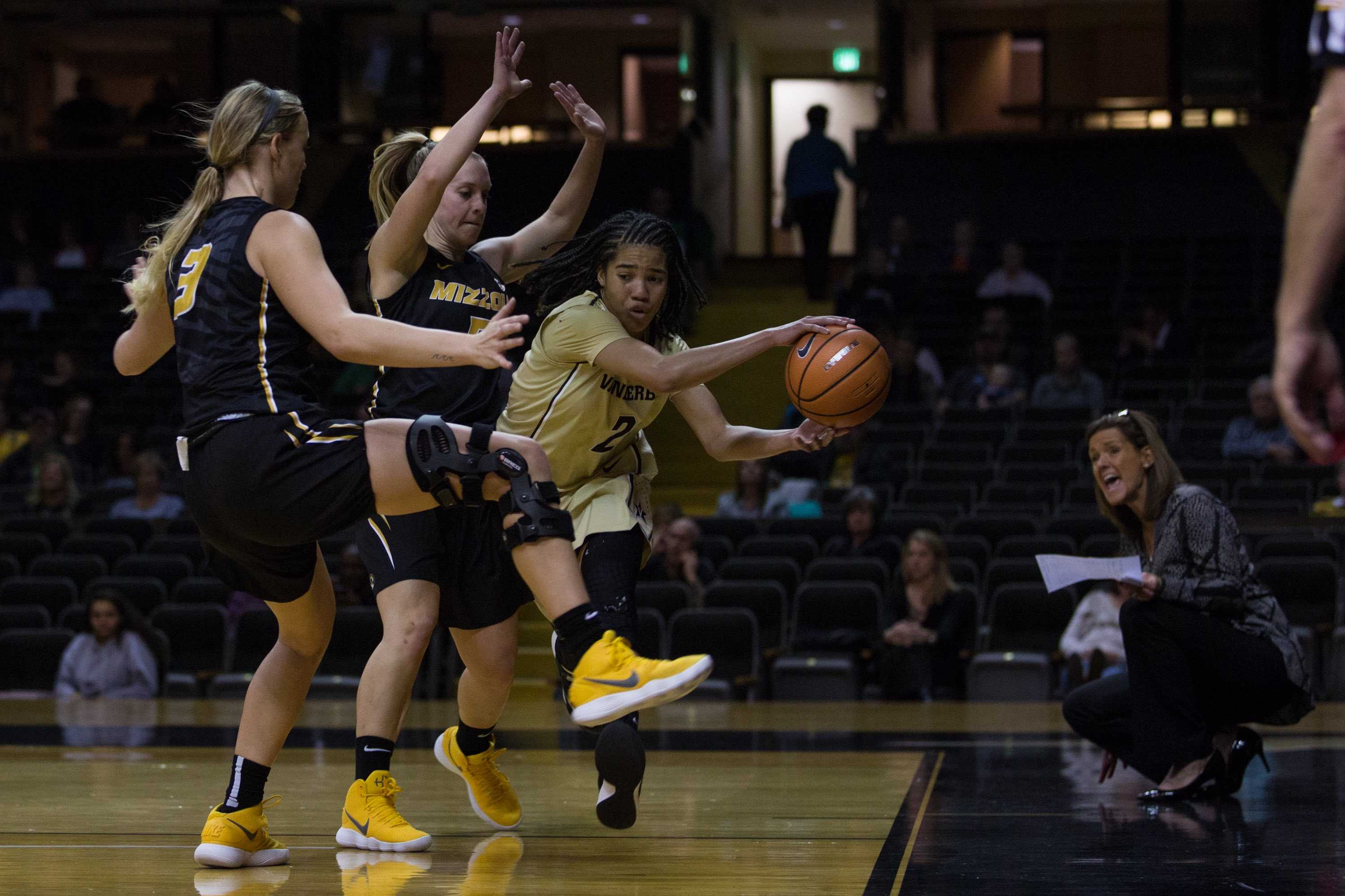 Vanderbilt falls to 0-4 in SEC play with loss to Missouri