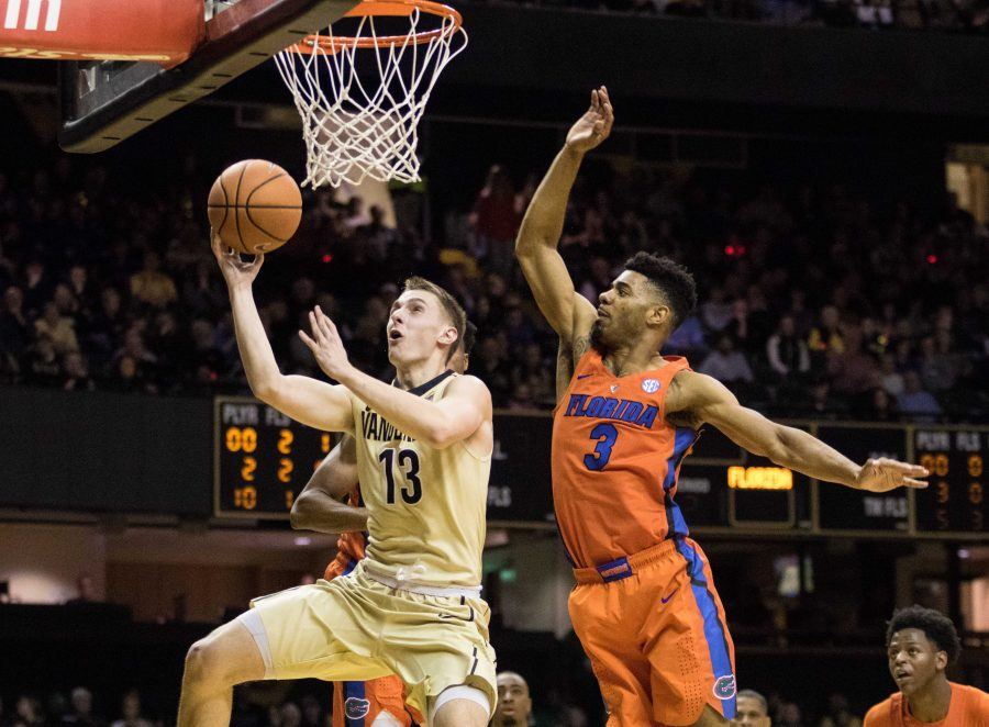 Commodores refuse to quit, fight from behind to beat Florida 71-68