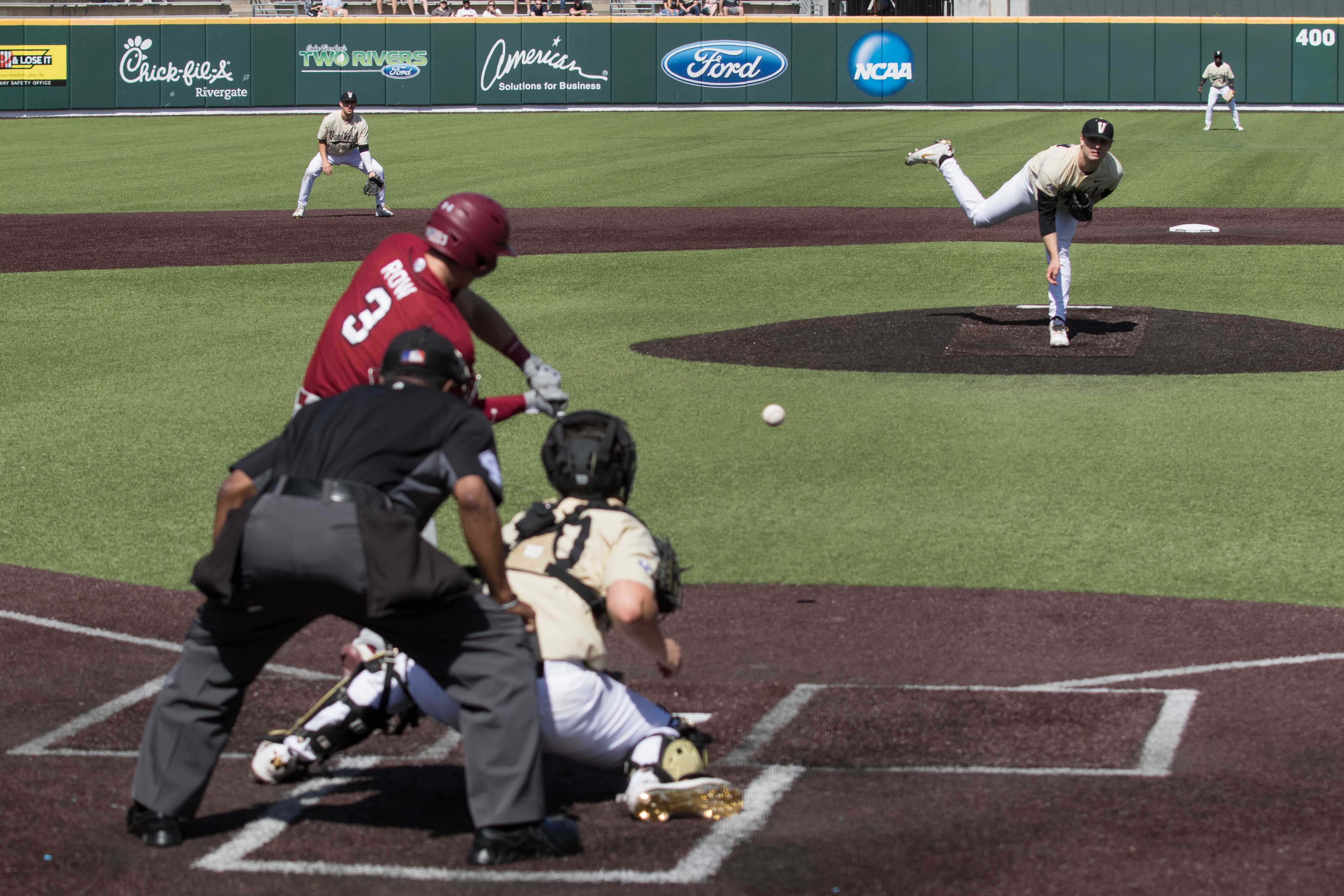 Vanderbilt evens series with South Carolina with 8-1 drubbing
