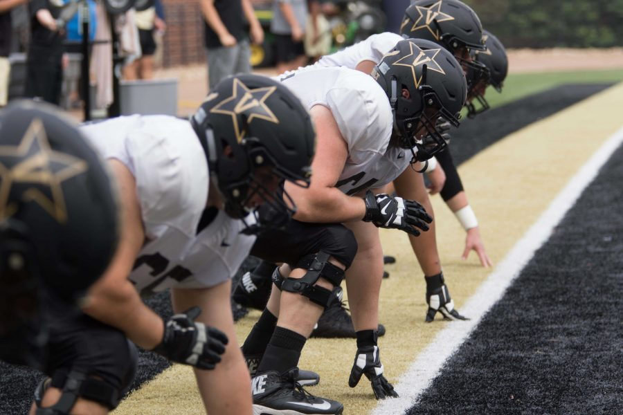 Vanderbilt+football+players+practice+on+Thursday%2C+August+16%2C+2018.+%28Photo+by+Claire+Barnett%29