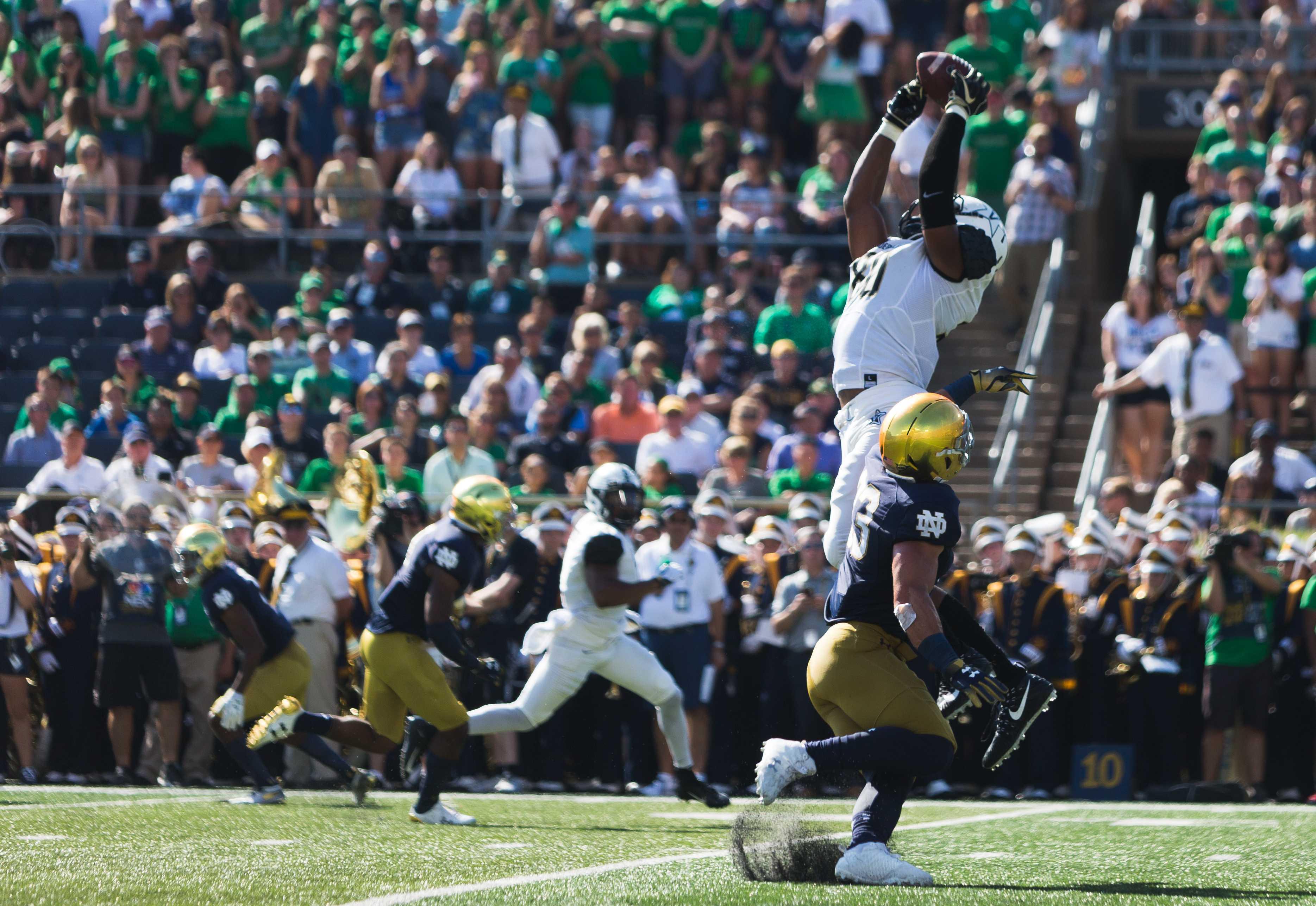 Vanderbilt loses nail-biter to #8 Notre Dame 22-17