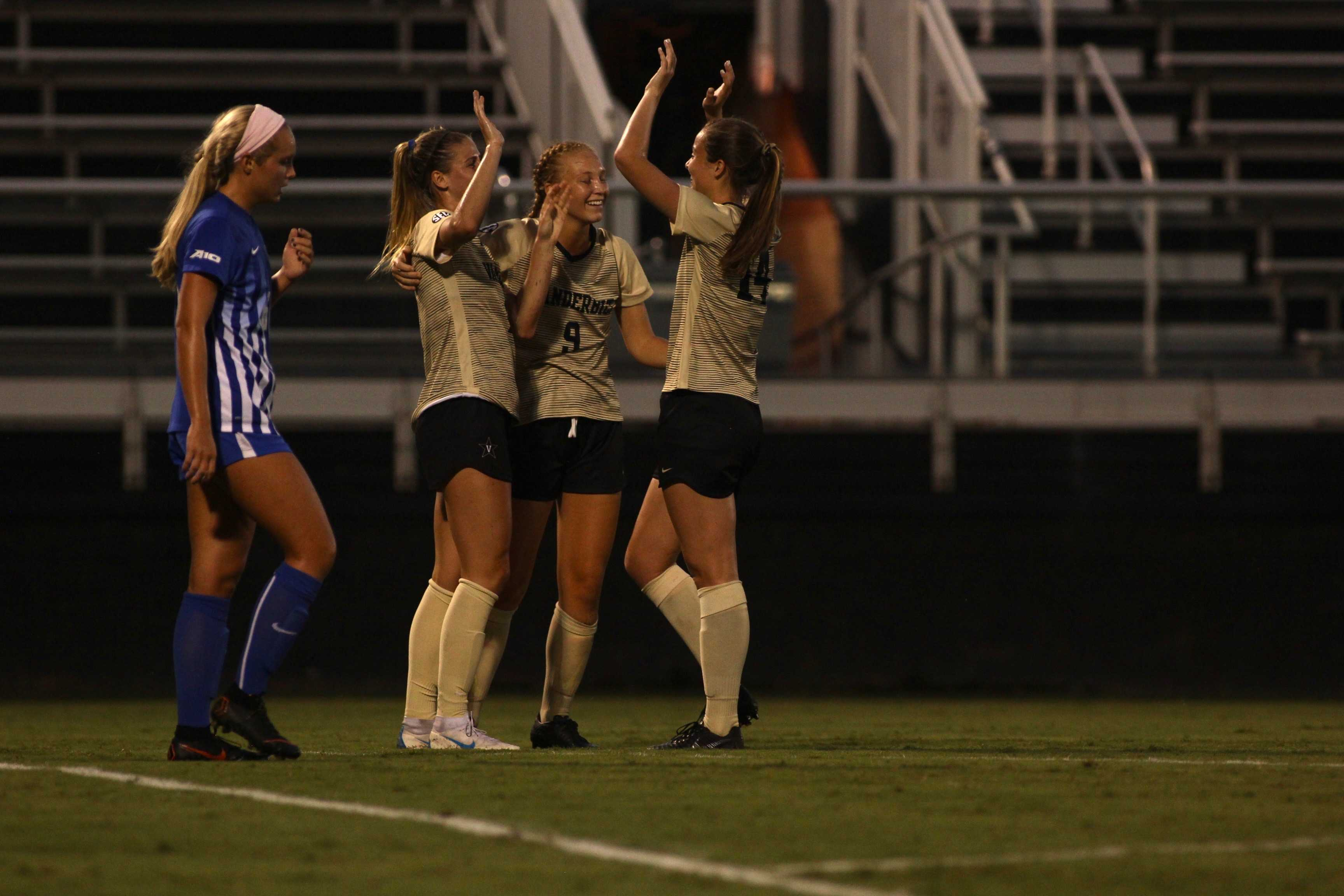 Vanderbilt Soccer downs Saint Louis 2-0 in fourth straight win