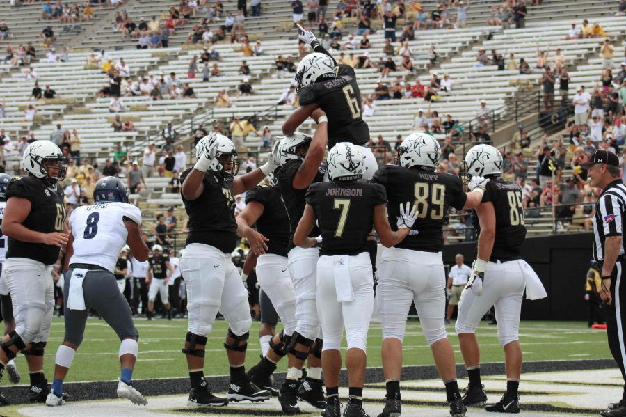 Commodores trying to avoid hype as trip to Notre Dame looms