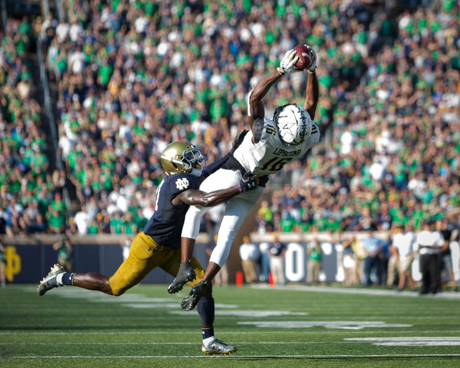 Vanderbilt+plays+Notre+Dame+on+Saturday.+September+15%2C+2018.+%28Photo+by+Hunter+Long%29