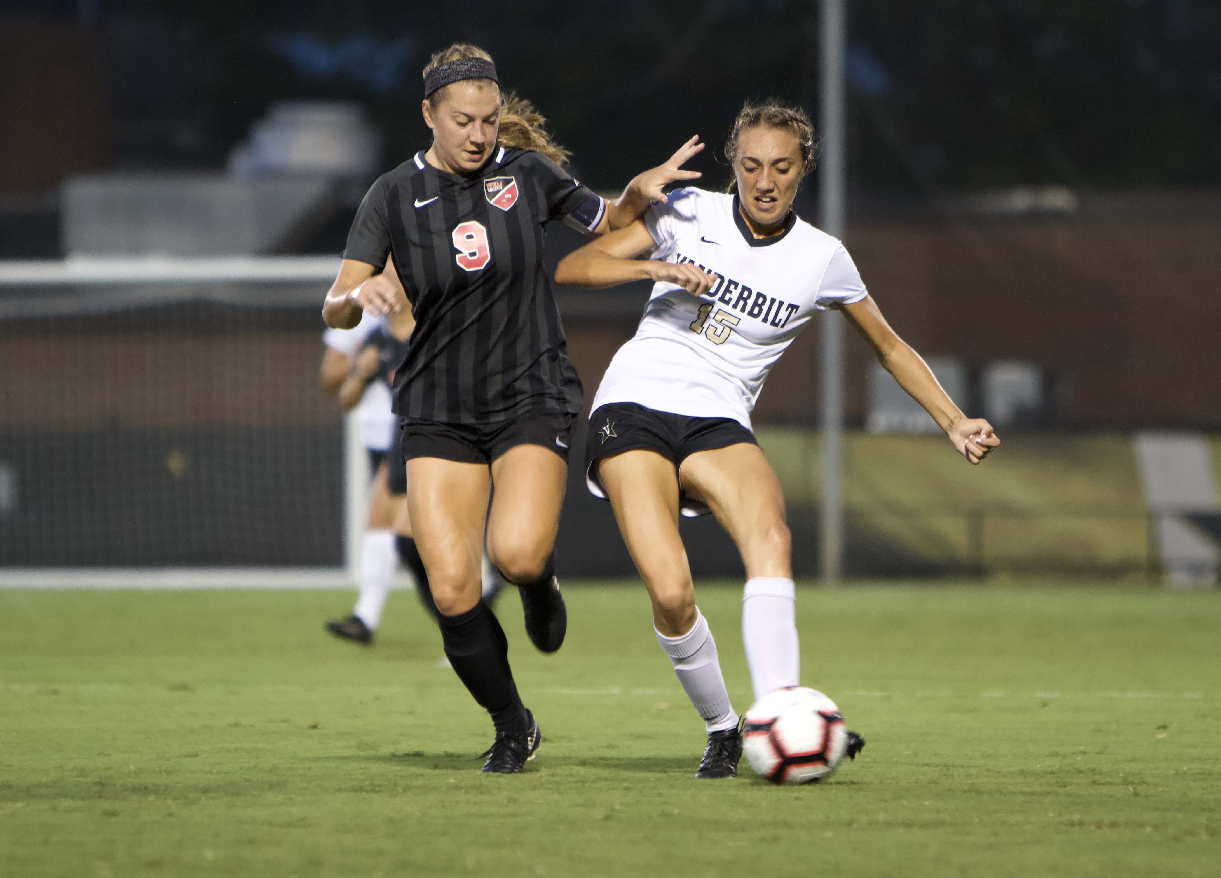 Madison Elwell scores highlight-reel goal in win over Western Kentucky