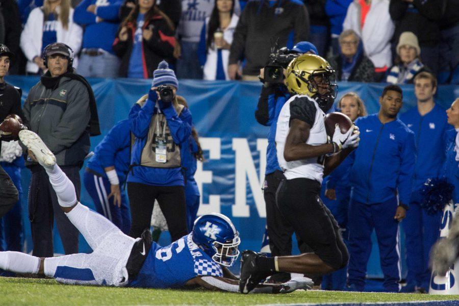 Vanderbilt+WR+C.J.+Bolar+catches+a+touchdown+against+the+Kentucky+Wildcats+at+Kroger+Field+in+Lexington%2C+KY.+Photo+by+Claire+Barnett