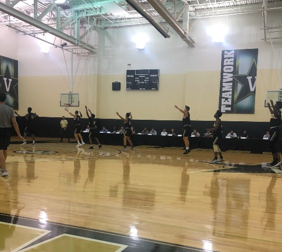 Vanderbilt Men's Basketball works out in front of scouts at the team's pro day.