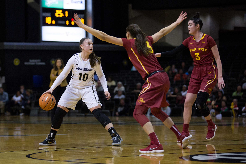The Vanderbilt Women's Basketball team plays Iowa State on Saturday, December 2, 2017. (Photo by Claire Barnett)