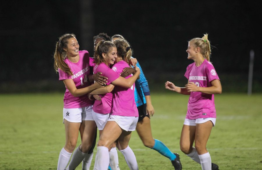 Vanderbilt+Soccer+freshman+Raegan+Kelley+celebrates+her+goal+against+Mississippi+State+with+her+teammates.+Photo+by+Hannah+Haecker