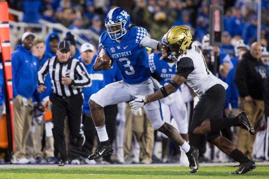 Vanderbilt+loses+to+Kentucky+in+football+on+Saturday%2C+October+20%2C+2018+in+Lexington.+The+final+score+was+7-14.+%28Photo+by+Claire+Barnett%29