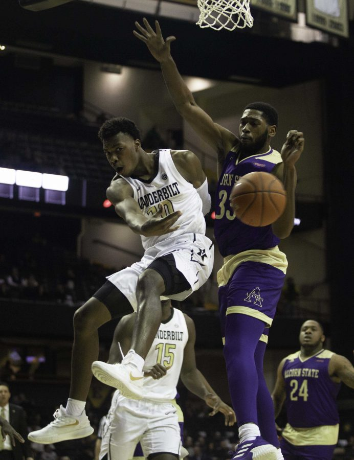 Darius Garland drives on Friday night against Alcorn State. Photo by Mattigan Kelly.