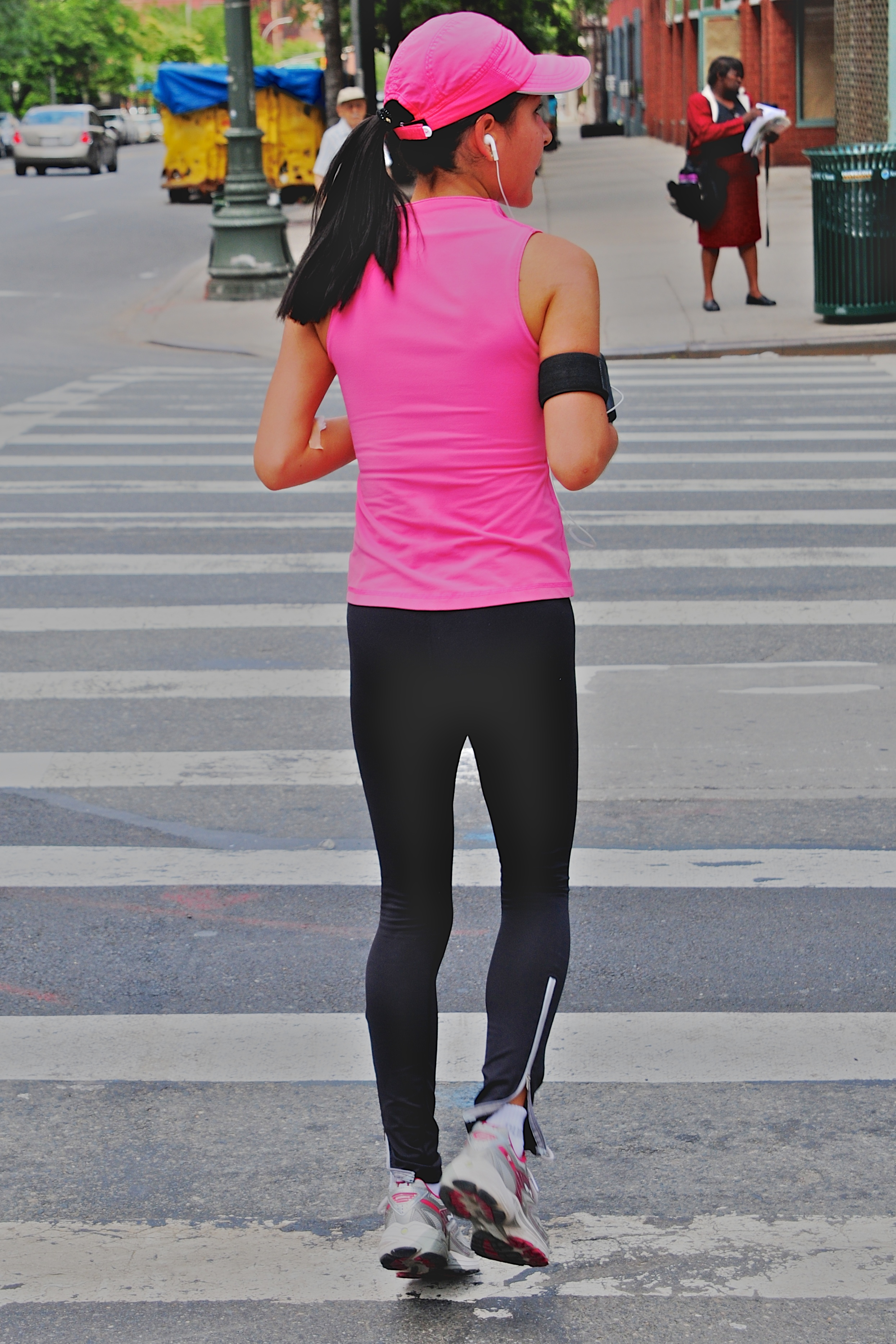 Jogger in Upper East Side New York City. Photo by Ed Yourdon.