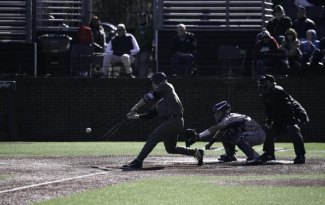 Commodores complete sweep with 14-4 rout of Florida