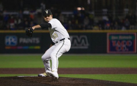 Vanderbilt crushes Florida 15-2