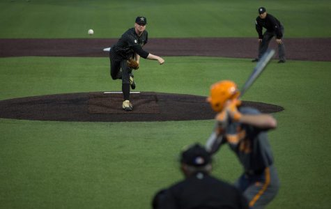 Vanderbilt downs Tennessee 4-2 to open weekend series