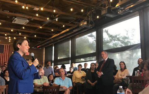 Amy Klobuchar hosts meet and greet in East Nashville