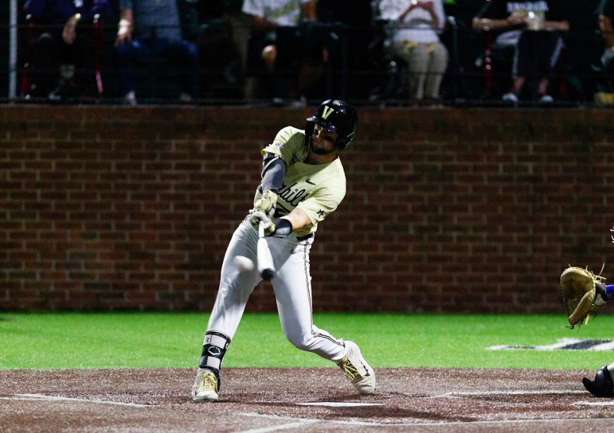 Vanderbilt pulls off improbable comeback, advances to College World Series Finals