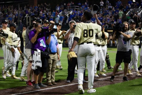 Vanderbilt defeats Michigan 4-1, forces deciding Game Three