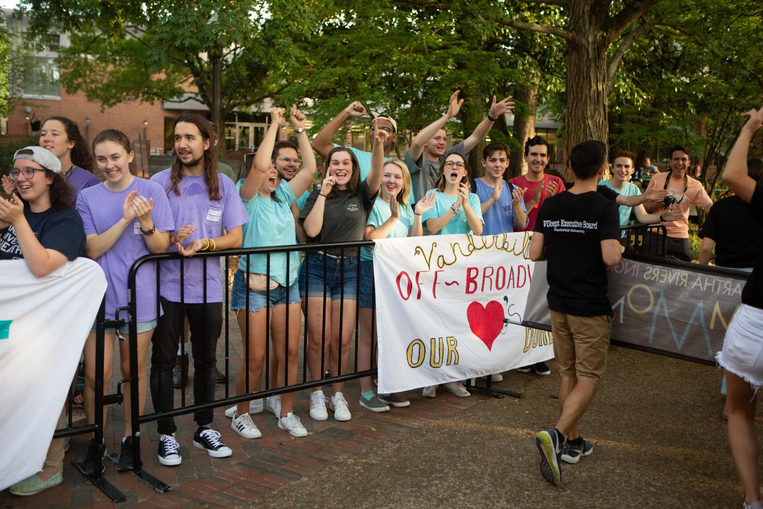 Vanderbilt+Off-Broadway+welcomes+new+students+during+Founders+Walk+2019.+%28Photo+by+Hunter+Long%29