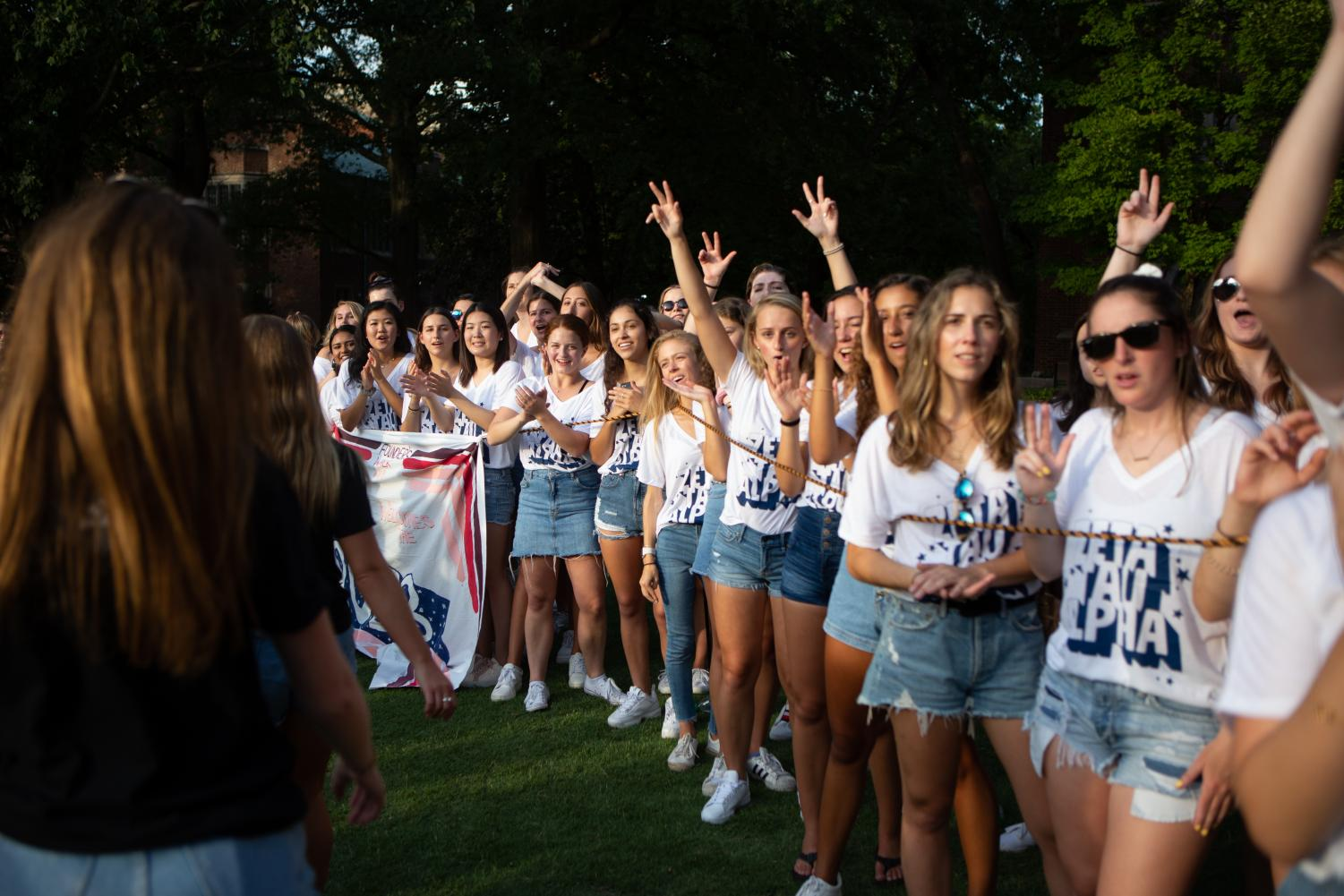 Zeta+Tau+Alpha+welcomes+new+students+during+Founders+Walk+2019.+%28Photo+by+Hunter+Long%29
