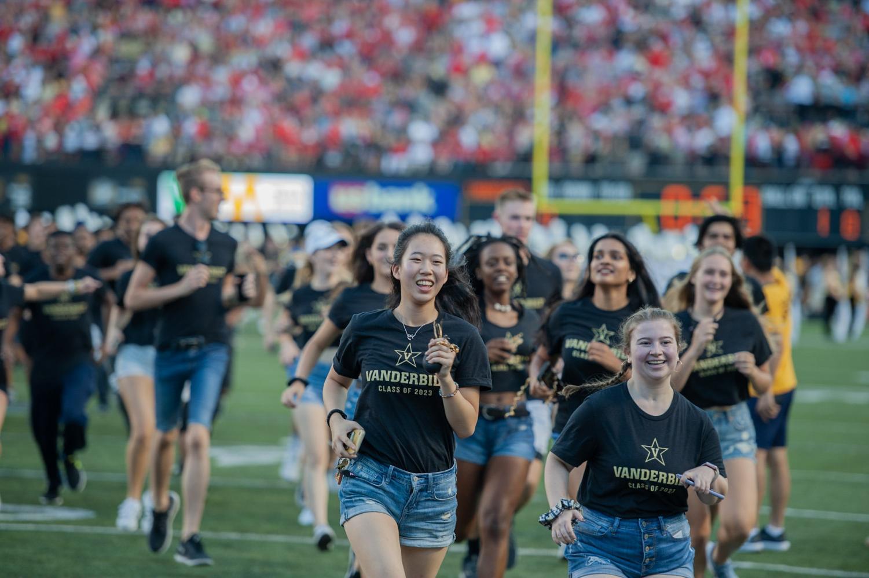 Anchor+Dash+2019+kicks+off+the+football+game+against+Georgia+on+Saturday%2C+Aug.+31.+%28Photo+by+Truman+McDaniel%29