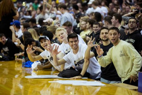 'Order Up and Anchor Down': Students to be able to use meal swipes at basketball games
