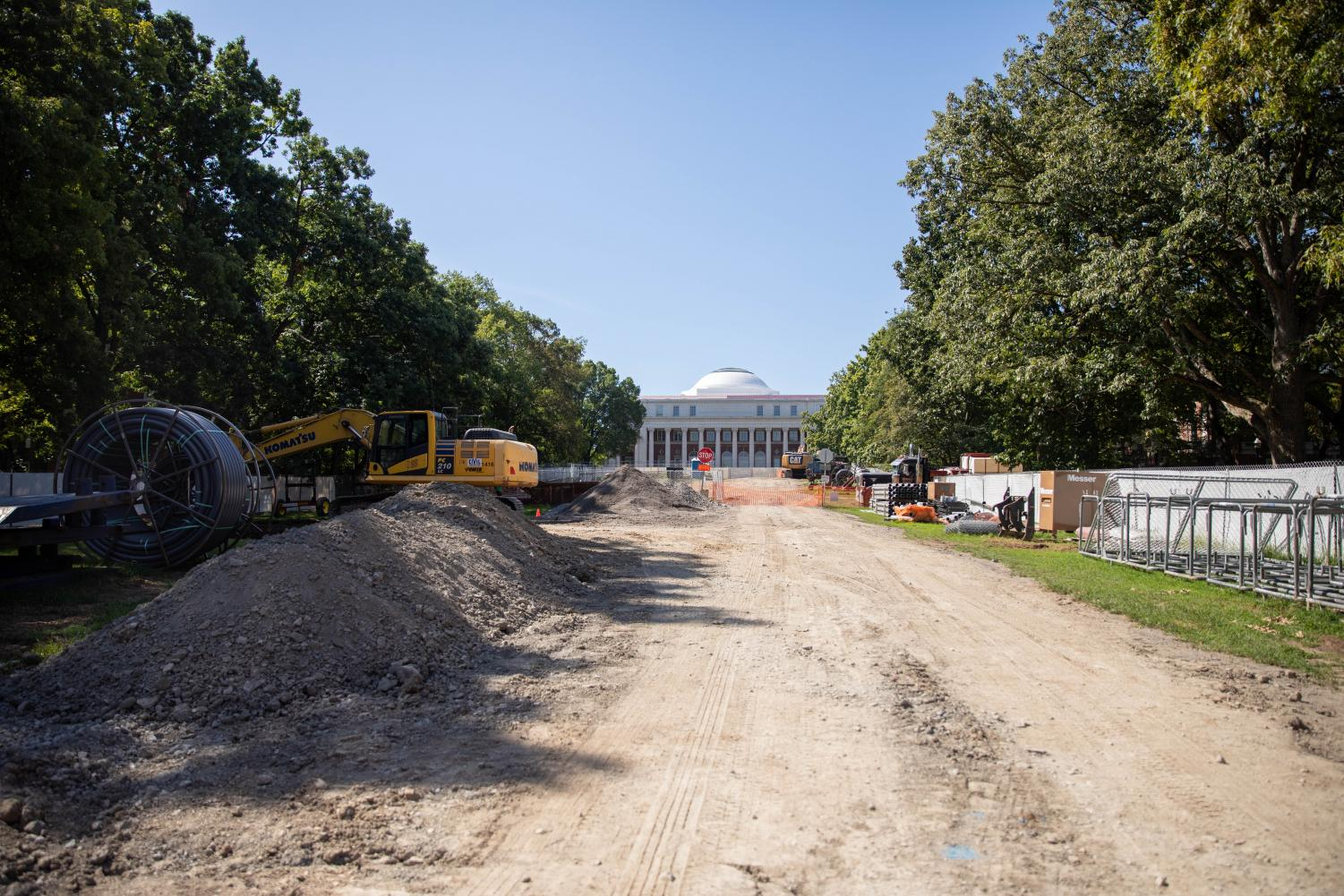 Construction on Peabody Lawn. (Photo by Emily Gonçalves)