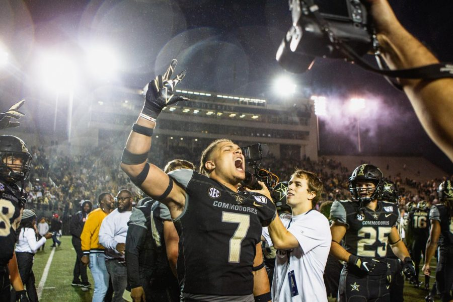 Commodore+Nation+celebrates+Vanderbilt%27s+upset+win+over+the+22nd-ranked+Tigers.+%28Photo+by+Hunter+Long%29