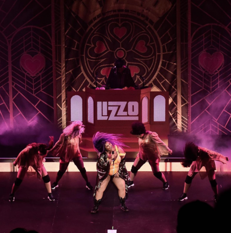 "Lizzo sells out the Ryman Auditorium for her ""Cuz I Love You Too"" tour"