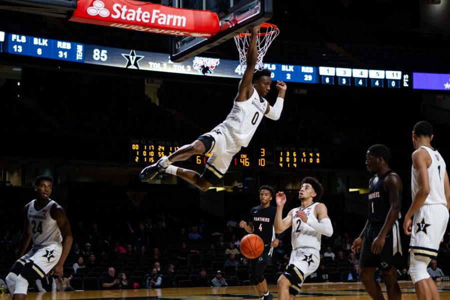 Saben Lee finishes a dunk in Vanderbilt's preseason exhibition against Clark Atlanta. (Photo by: Hunter Long)
