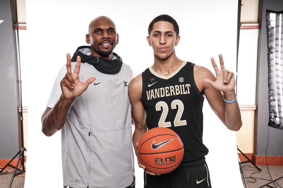 Stute poses with Vanderbilt head men's basketball coach Jerry Stackhouse after his commitment on September 8. (Photo Courtesy Myles Stute)
