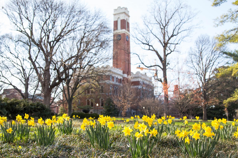 Kirkland Hall is home to Vanderbilt administration. Photo by Emily Gonçalves // The Vanderbilt Hustler
