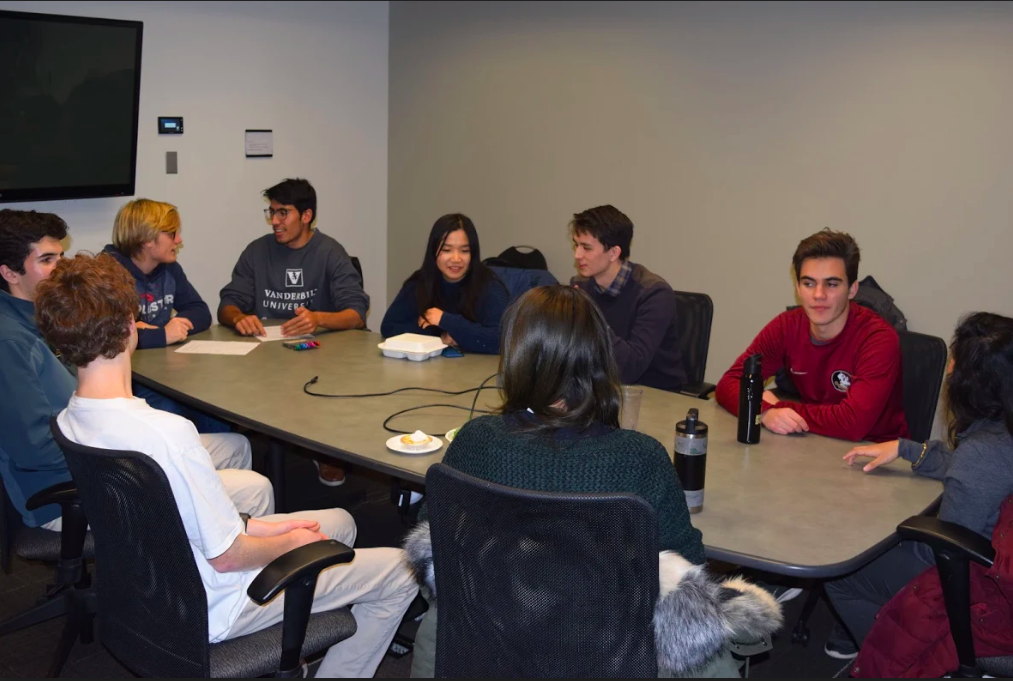Arete Fellowship students meet in weekly discussion section on Nov. 13 (Photo courtesy Philip Gubbins)