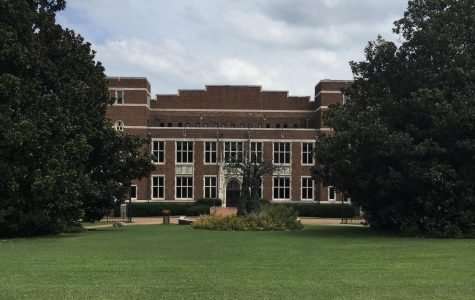 """Vanderbilt's website states that the university's """"ramp-up may lag the Nashville ramp-up and will be tailored to our own unique density, operations, and other considerations as a residential education institution."""" (Former Hustler Staff/Lila Johnson)"""