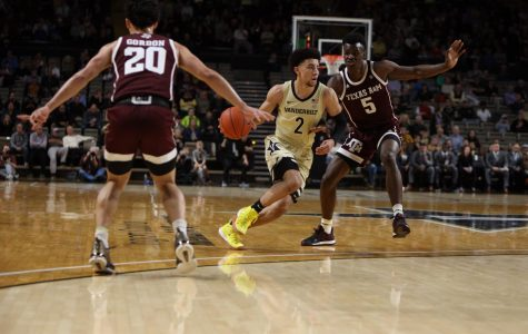Vanderbilt Guard Scotty Pippen Jr. drives into the lane in the Commodores loss to Texas A&M